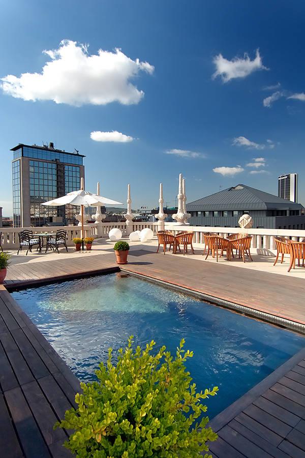 Tardes vespres inedit s en las terrazas de los hoteles for Terraza casa fuster