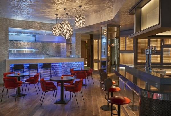 Hyatt-Centric-Gran-Via-Madrid-Hielo-y-Carbon-Crudo-Bar
