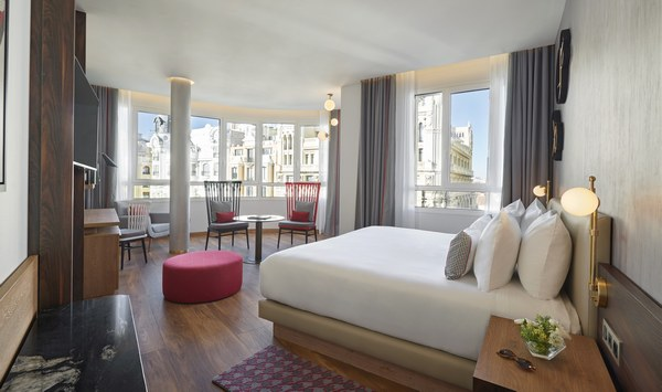 Hyatt-Centric-Gran-Via-Madrid-Junior-Suite