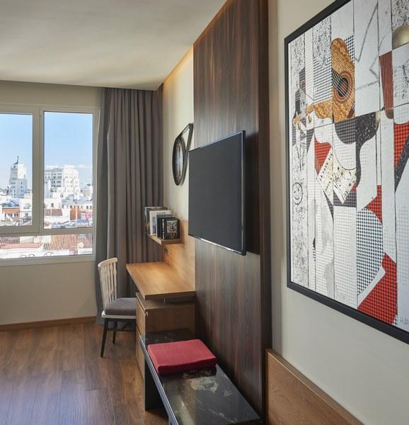 Hyatt-Centric-Gran-Via-Madrid-King-Details