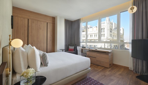 Hyatt-Centric-Gran-Via-Madrid-King-Gran-Via-View-Window