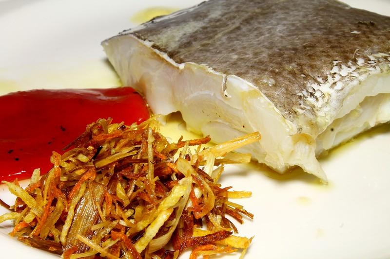 Bacalao confitado con pil-pil de pimientos (2)
