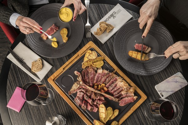 Hyatt-Centric-Gran-Via-Madrid-TBone-Hands