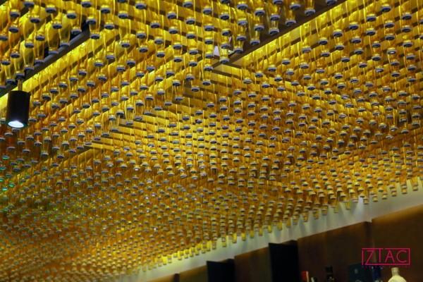 Original detalle del techo de la barra.