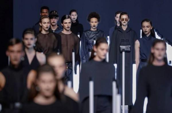 graf7727-madrid-10-07-2018-varios-modelos-lucen-creaciones-de-juanjo-oliva-durante-la-68-edicion-de-la-pasarela-mercedes-benz-fashion-week-madrid-celebrado-hoy-en-el-recinto-ferial-de-