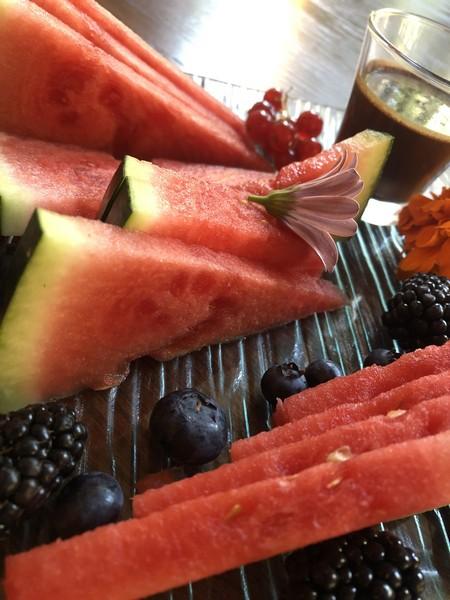 Fruta de temporada con chocolate