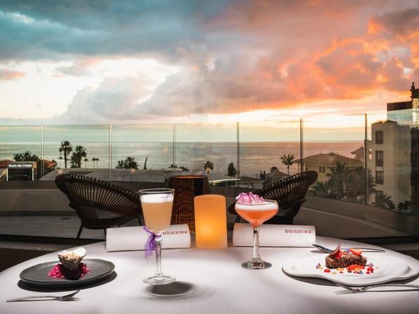 Atardecer en El restaurante Donaire, en el hotel GF Victoria (5*GL) de Adeje