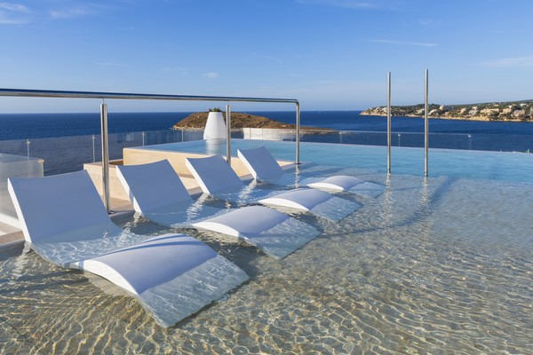 Infinity pool Elba Sunset Mallorca