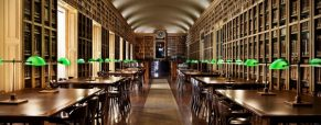 Viaja por la literatura de bibliotecas singulares