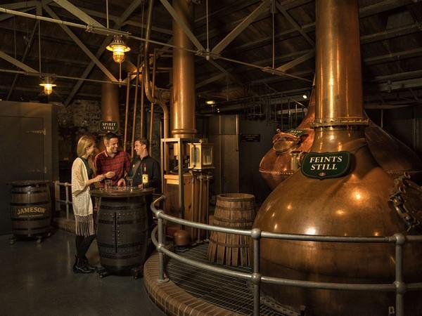 Descubre la historia del whiskey irlandés